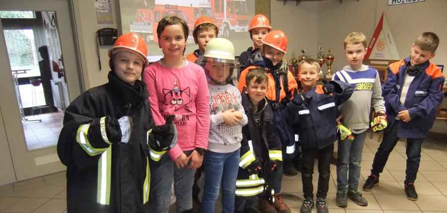 """Feuerwehr AG"" Grundschule Aufenau"